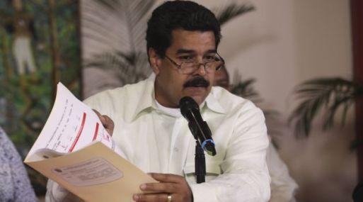 """<strong>Ejerciendo sus funciones.</strong> """"Chávez ha revisado y evaluado informes de distintas áreas y ha tomado decisiones"""", aseguó Maduro"""