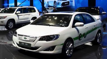 Toyota quiere tener en el año 2020 autos semiautónomos