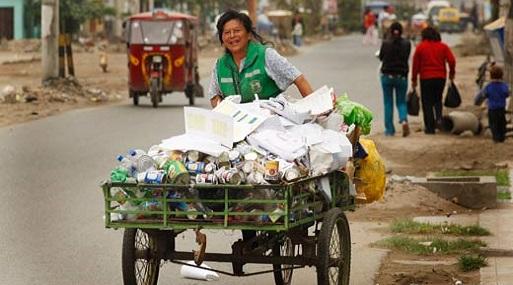 Resultado de imagen para reciclador peruano