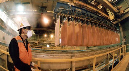 A las 1130 GMT el cobre seguía trepando un 1.2%, a US$ 5,781 la tonelada.