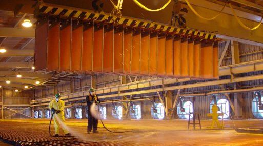 A las 1206 GMT, el cobre retrocedía 0.3%, a US$ 5,822 por tonelada.