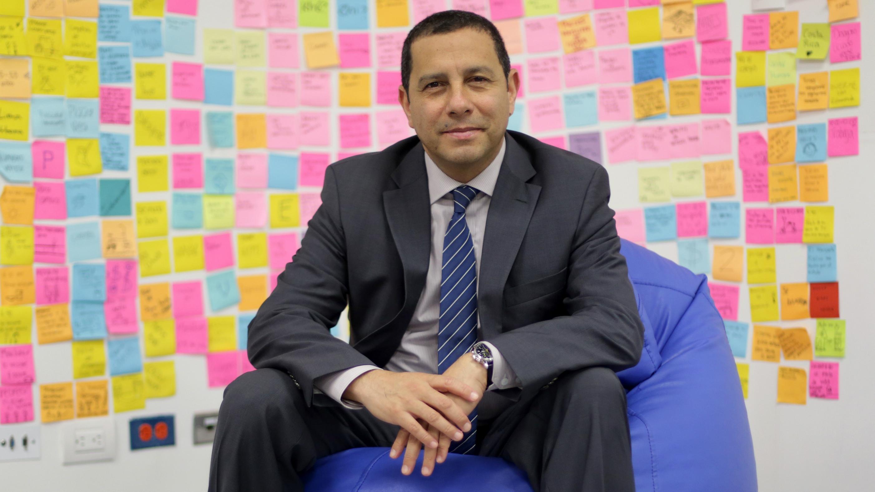 Javier Salinas, director del Centro de Emprendimiento.