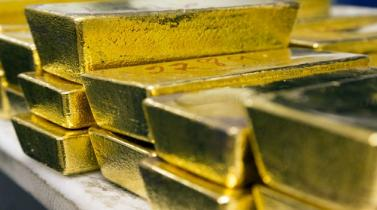 Oro sube a máximos de tres meses y medio por retroceso del dólar