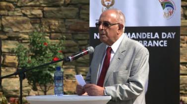 Ahmed Kathrada, ícono de la lucha contra el apartheid en Sudáfrica muere a los 87 años