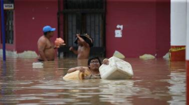 La caravana acuática que recorrieron los ciudadanos de Piura tras la emergencia