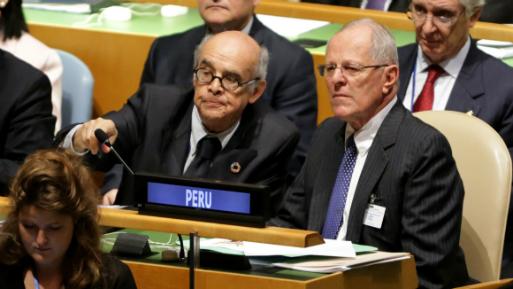 Perú retira su embajador de Venezuela
