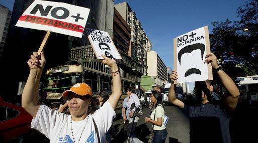 Marcha atrás, Maduro pide al TSJ revise decisión de disolver el Parlamento