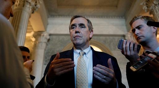 Senado activa 'opción nuclear' y habilita juez a Trump