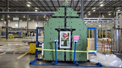 Una pared con su ventana en la planta de Blueprint Robotics. (Foto: Bloomberg)