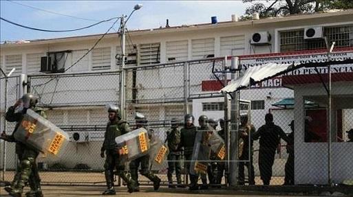 Riña en cárcel venezolana deja 6 muertos