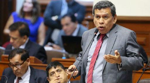 El congresista Hernando Cevallos es el presidente de la comisión de Trabajo (foto: Congreso de la República).