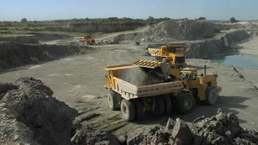 Sunat entregó S/ 5,889 millones a empresas mineras como devoluciones, estas pagaron apenas S/ 1,944 millones por IR e IGV.