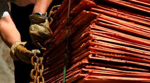 Precio del cobre sigue alza en la Bolsa de Metales de Londres