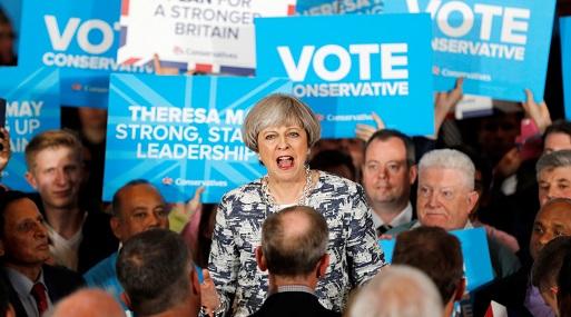 Theresa May no renuncia y dice que