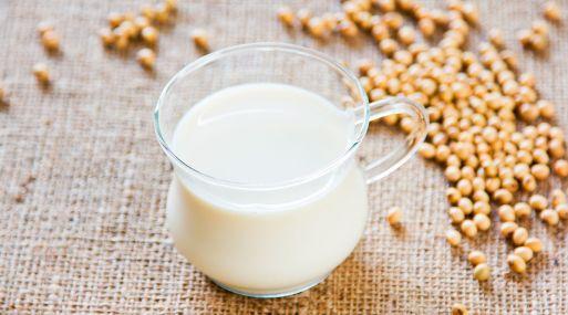 Prohíben en UE productos vegetales con denominación de leche o queso