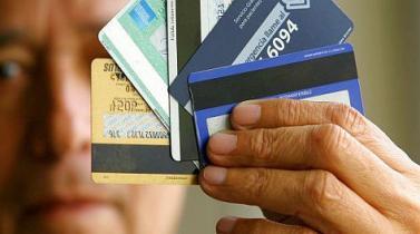 Guerra de recompensas enfrenta tarjetas de crédito y débito