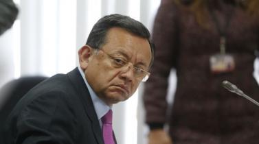 Edgar Alarcón: Informe final de comisión parlamentaria recomienda su remoción