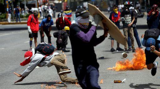 Standard & Poor's rebaja calificación crediticia de Venezuela