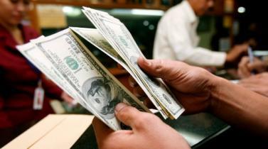Durante un choque político, solo el cambio de divisas funcionará