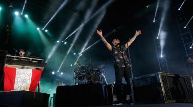 Chester Bennington de Linkin Park, una carrera musical marcada por el éxito y un trágico final