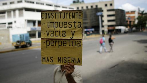 Maduro prohíbe protestas con penas de 5 a 10 años de cárcel