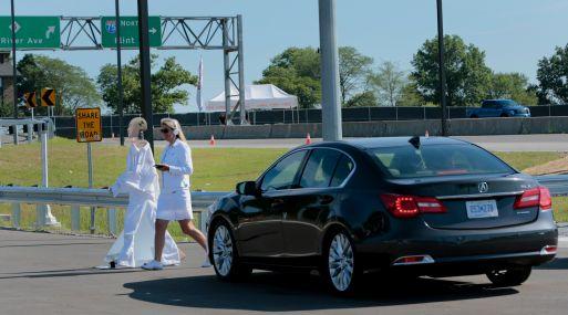 Un Acura autónomo de Honda se detiene durante una prueba de investigación en la Universidad de Michigan. (Foto: Bloomberg)