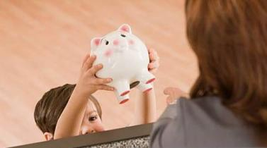 Cinco consejos para enseñarles a ahorrar a tus hijos