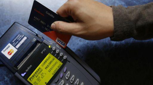 Algunas entidades financieras cobraban por enviar información vía electrónica. (Foto: USI)