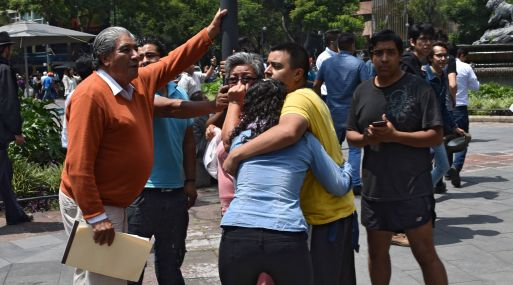 Suman 273 muertos por sismo en seis entidades