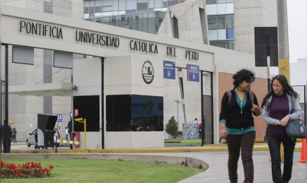 ¿De qué universidades son los egresados de Derecho mejores pagados?